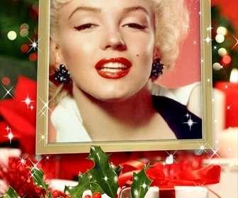 Cartão de Natal para colocar uma imagem dentro de uma moldura dourada com efeitos brilhantes e decoração de Natal.