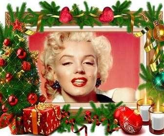 Um quadro para fotos com decorações de natal.
