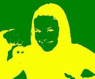 Esta foto será um efeito negativo em sua imagem com as cores da seleção brasileira de futebol.