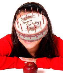 Etiqueta em linha de um bolo de aniversário para inserir em suas imagens.