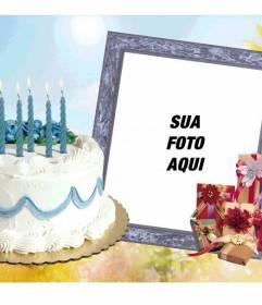 Moldura com bolo e presentes de aniversário.