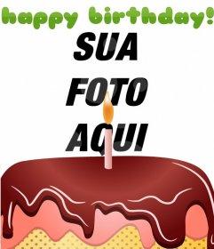 Cartão do aniversário com um bolo e feliz aniversario no verde
