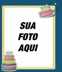 Editar um cartão de aniversário, adicionando uma foto digital para este fundo azul e com bolos de aniversário. Imprima seu cartão ou enviá-los via e-mail, de forma simples e gratuita