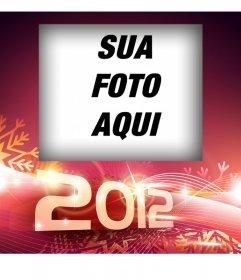 Envie para felicitar o ano novo de 2012. Fundo vermelho e flocos de neve.