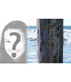 Coloque a foto que deseja lado de uma árvore onde não é esculpida de um coração. Ideal para um cartão postal