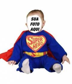 Vestir o seu bebê com este fotomontagem concurso de super-herói azul com capa vermelha